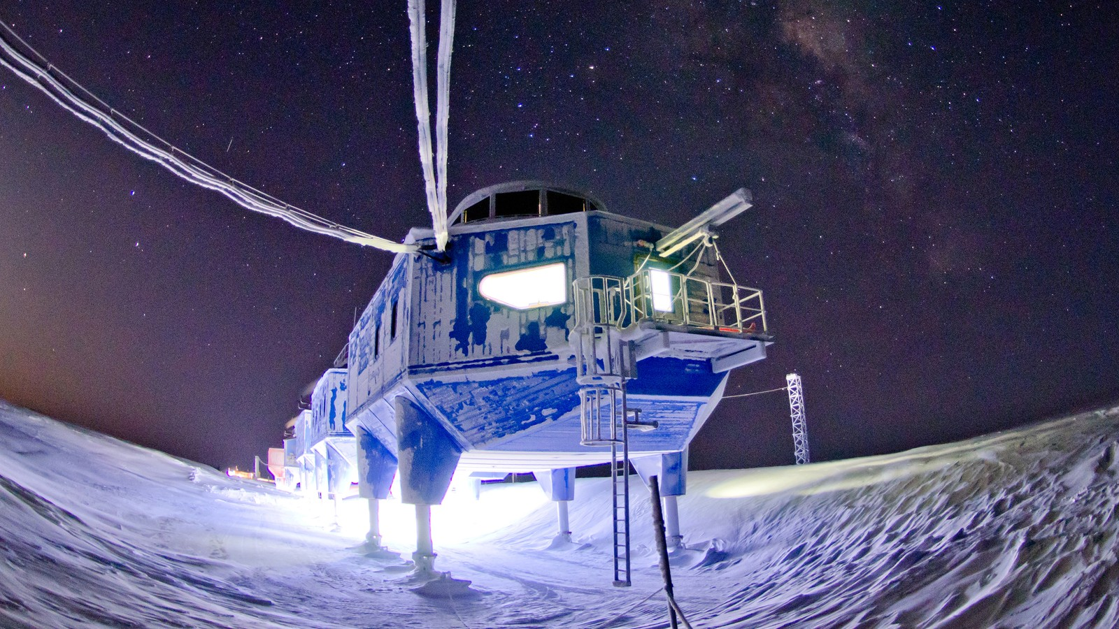 Halley VI British Antarctic Research Station 8
