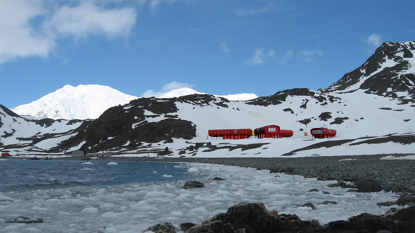 Juan Carlos 1 Antarctic Research Station 4