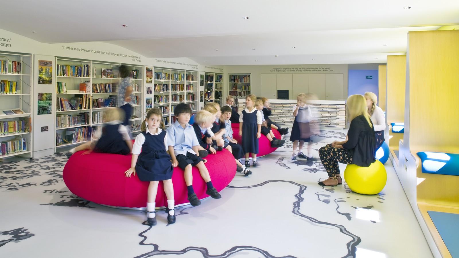 Thomas's Clapham Library 5