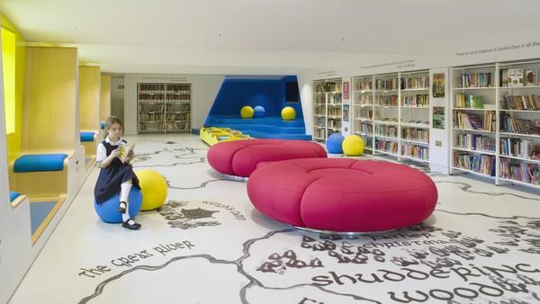 Thomas's Clapham Library